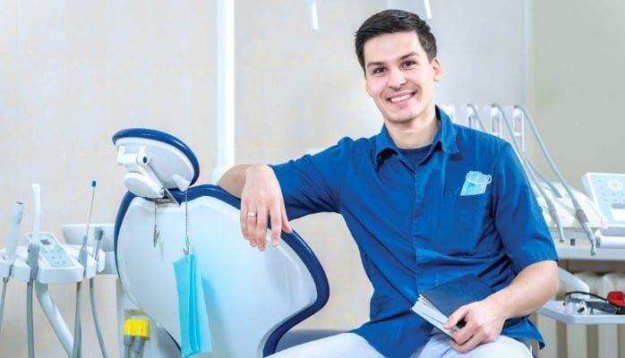 Le chirurgien-dentiste attend des marques une nouvelle expérience…