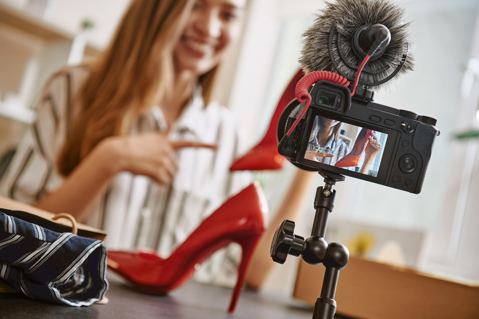 Le live shopping ou comment les enseignes réinventent le téléachat sur internet